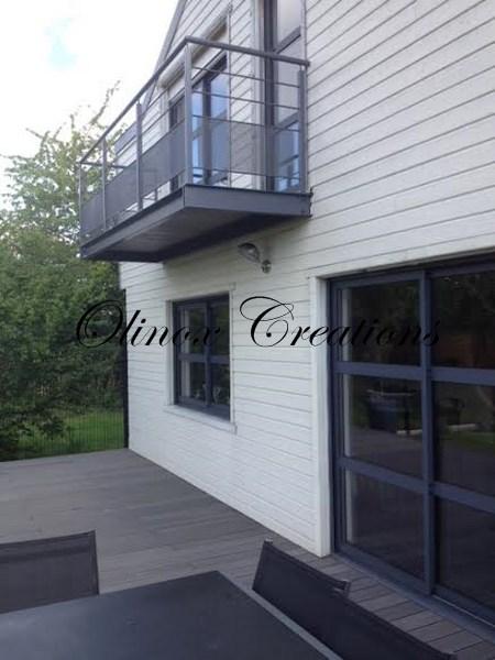 terrasse suspendue en bois balcon inox et m tal. Black Bedroom Furniture Sets. Home Design Ideas