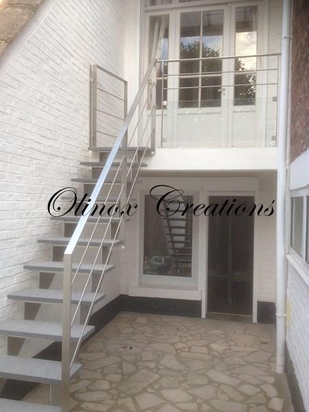 Escalier ext rieur pour un acc s au jardin ou terrasse for Pierre escalier exterieur