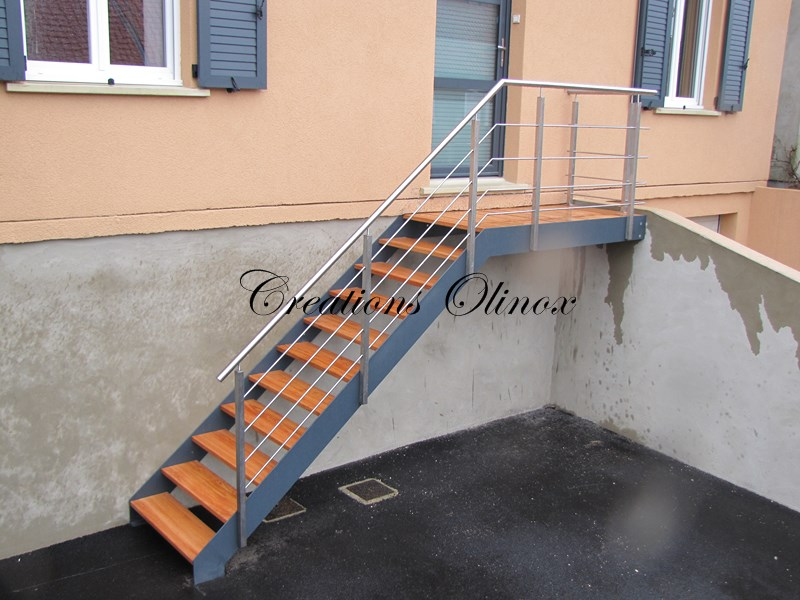 Escalier mons creation sur mesure for Escalier exterieur metal