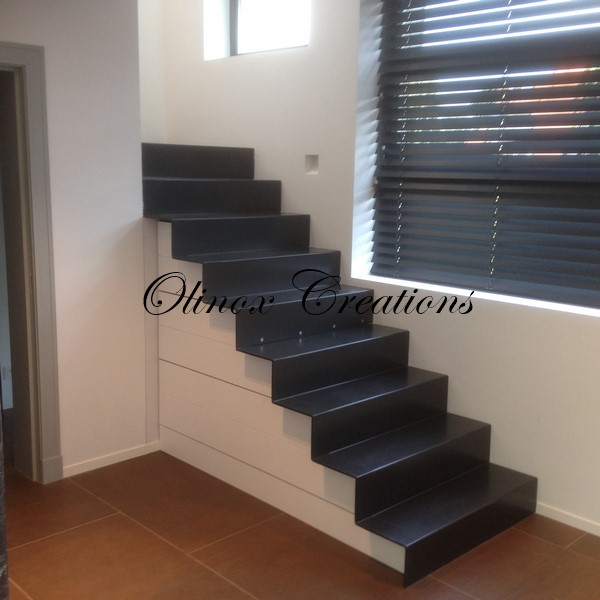 escalier int rieur design et moderne cr ation sur mesure. Black Bedroom Furniture Sets. Home Design Ideas