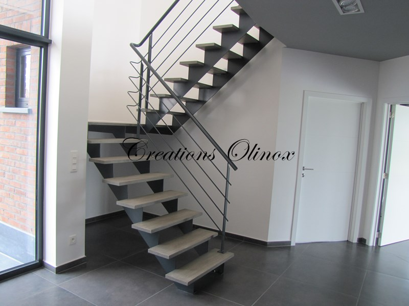escalier en m tal droit colima on ou tournant. Black Bedroom Furniture Sets. Home Design Ideas