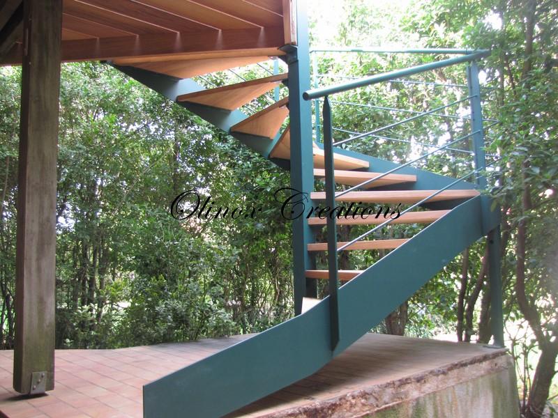 Escalier tournant ou colima on pour votre jardin ext rieur for Escalier de jardin exterieur