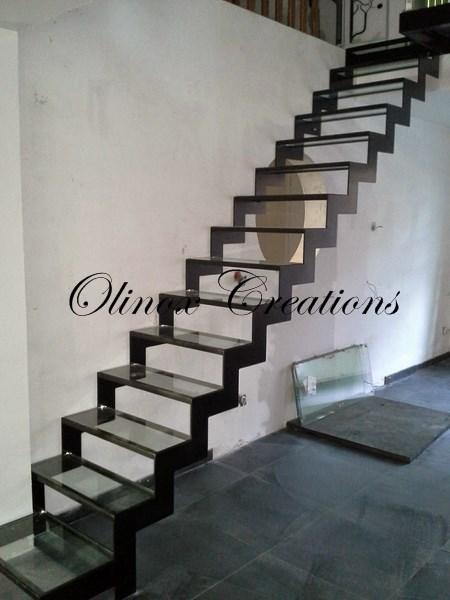 Escalier mons creation sur mesure - Escalier verre et metal ...