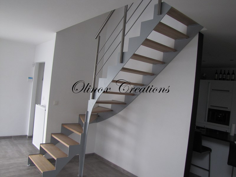 Rampe d escalier int rieur et garde corps design sur mesure for Photo escalier interieur