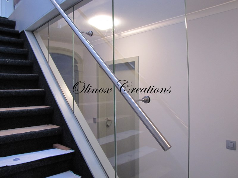 escalier bruxelles olinox cr ations. Black Bedroom Furniture Sets. Home Design Ideas