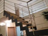 Escalier crémaillère limon métal peint