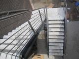 Escalier extérieur marches inox