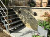 Escalier extérieur marches en pierre