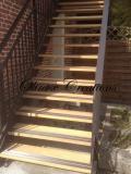 Escalier d'extérieur limon métal peint