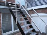 Escalier limon métal peint marches en Alu