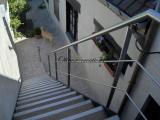 Escalier extérieur limon métal peint