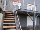 Terrasse suspendu avec son escalier